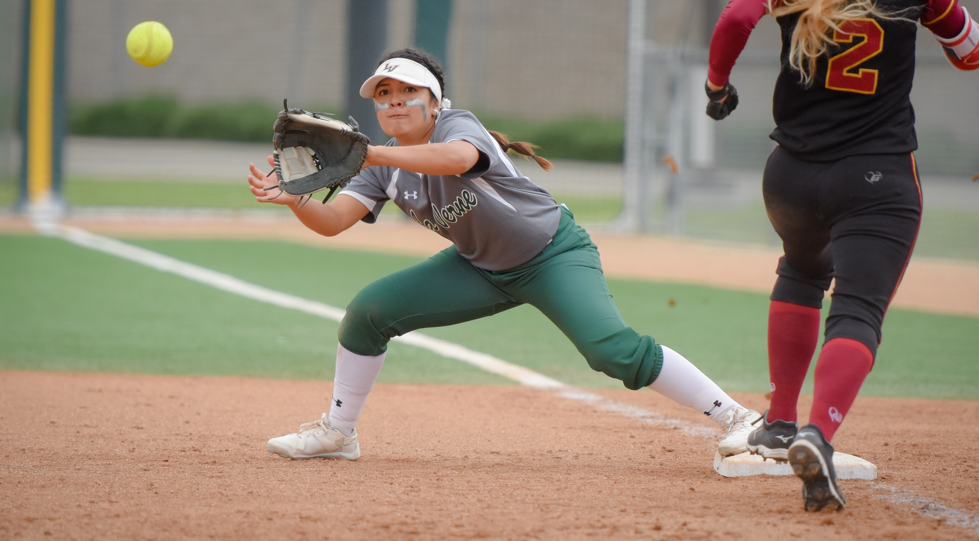 Softball drops to CMS, 10-1, in SCIAC Postseason Tournament