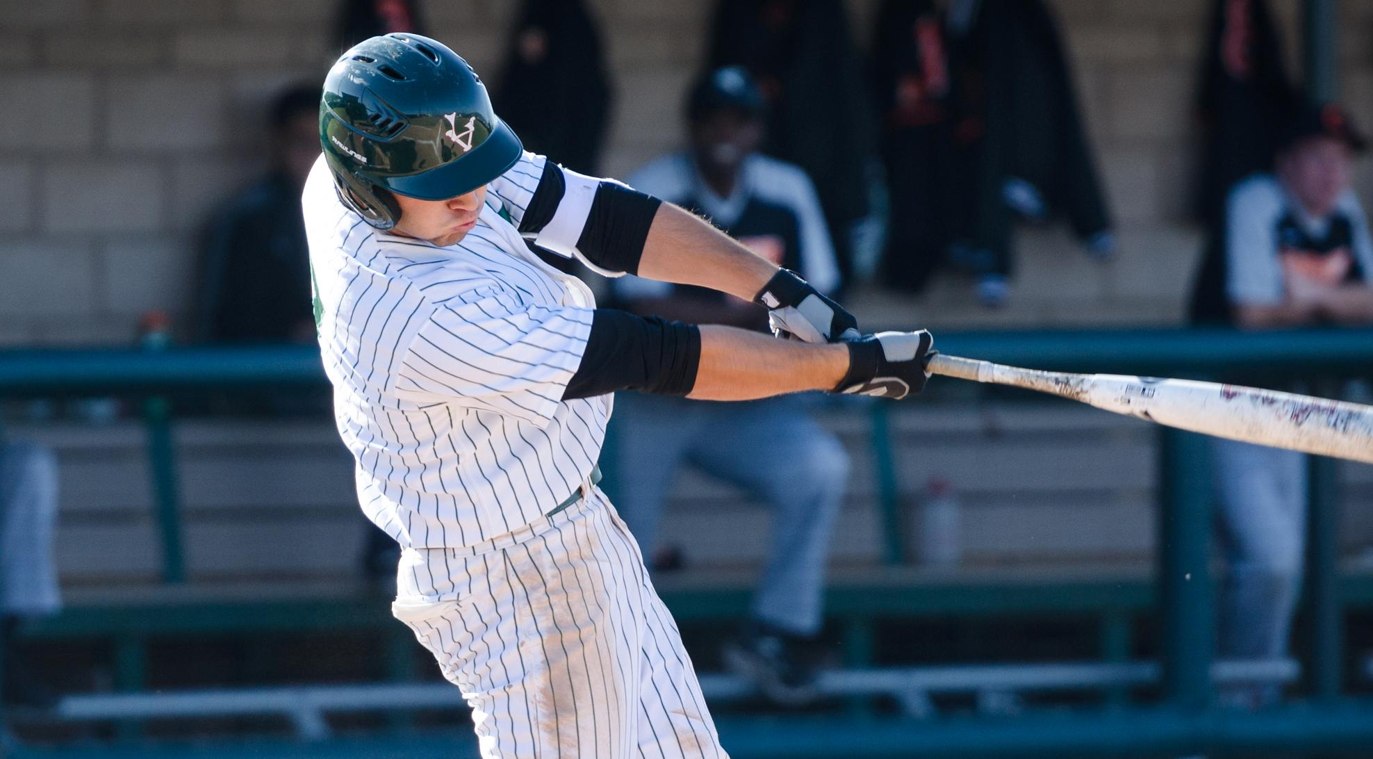 Baseball rides clutch hits to sweep Caltech
