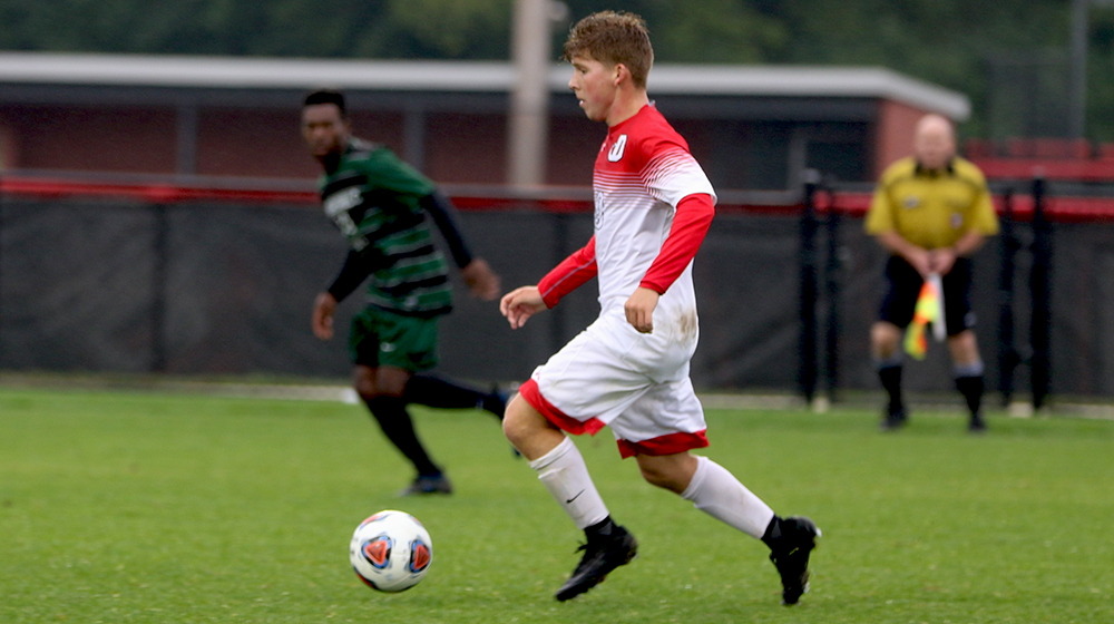 Explosive Offense Leads Men's Soccer to 8-2 Win