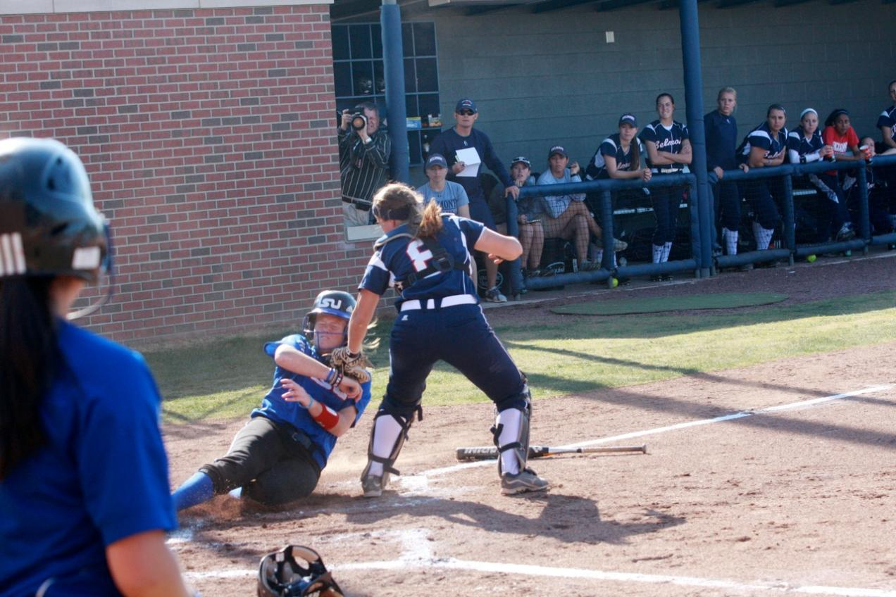 Softball Splits with Tennessee State