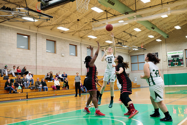 Women's basketball barely misses a comeback win