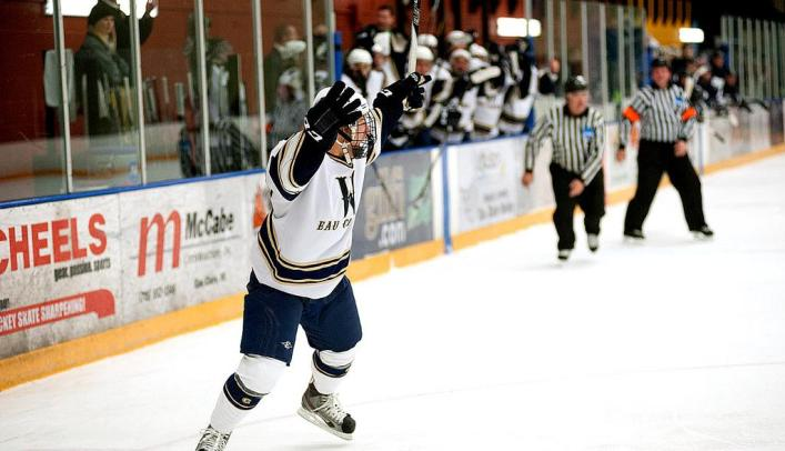 Blugolds Remain Unbeaten with Win Over 3rd-Ranked St. Norbert