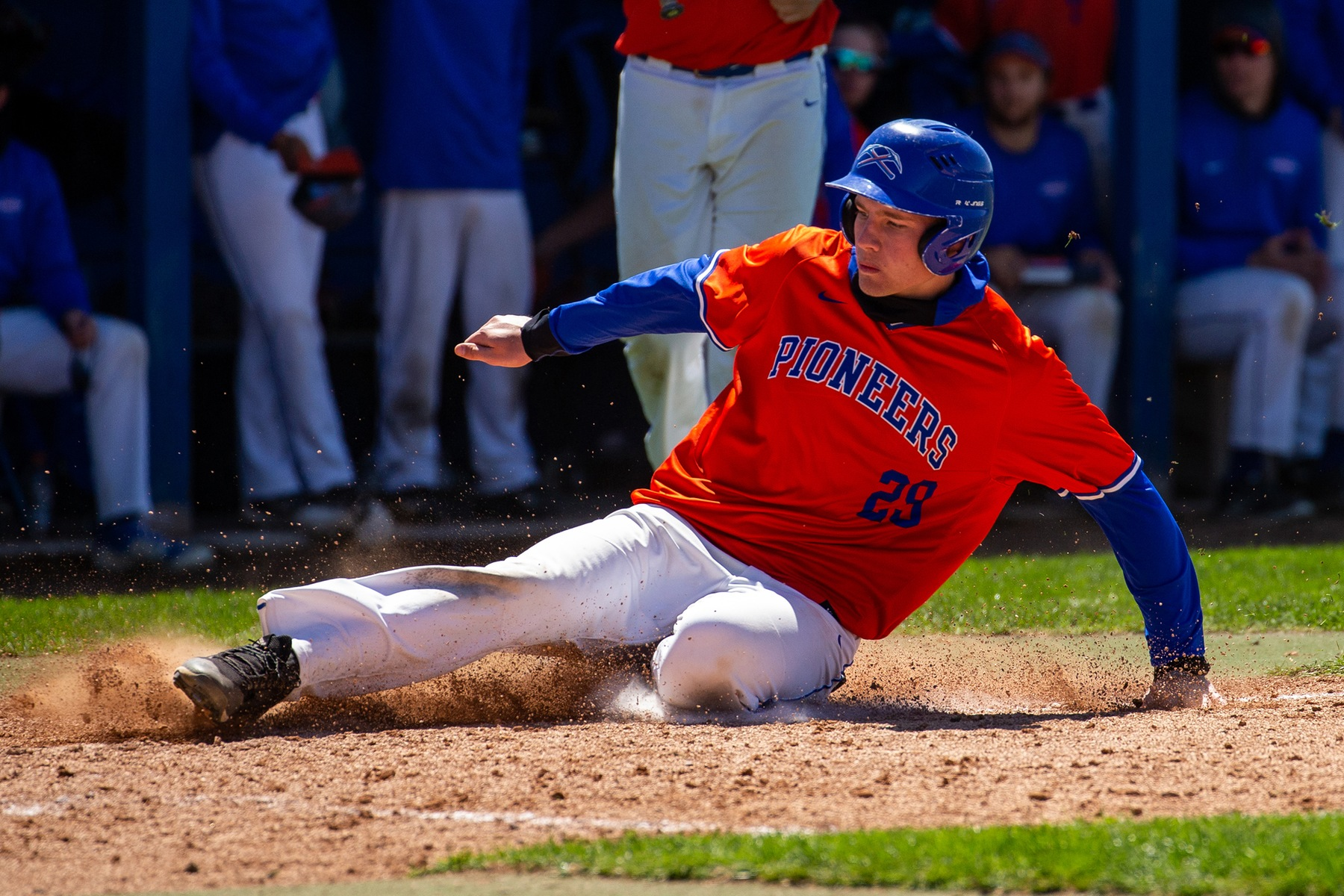 Pioneers fall in extra innings
