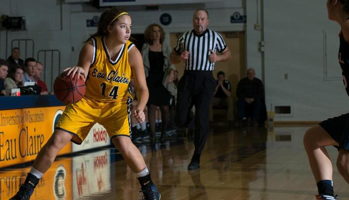 Women's Basketball Never Trails in Win over Stout