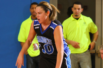 Women's hoops rallies to defeat Southern Maine, 74-71