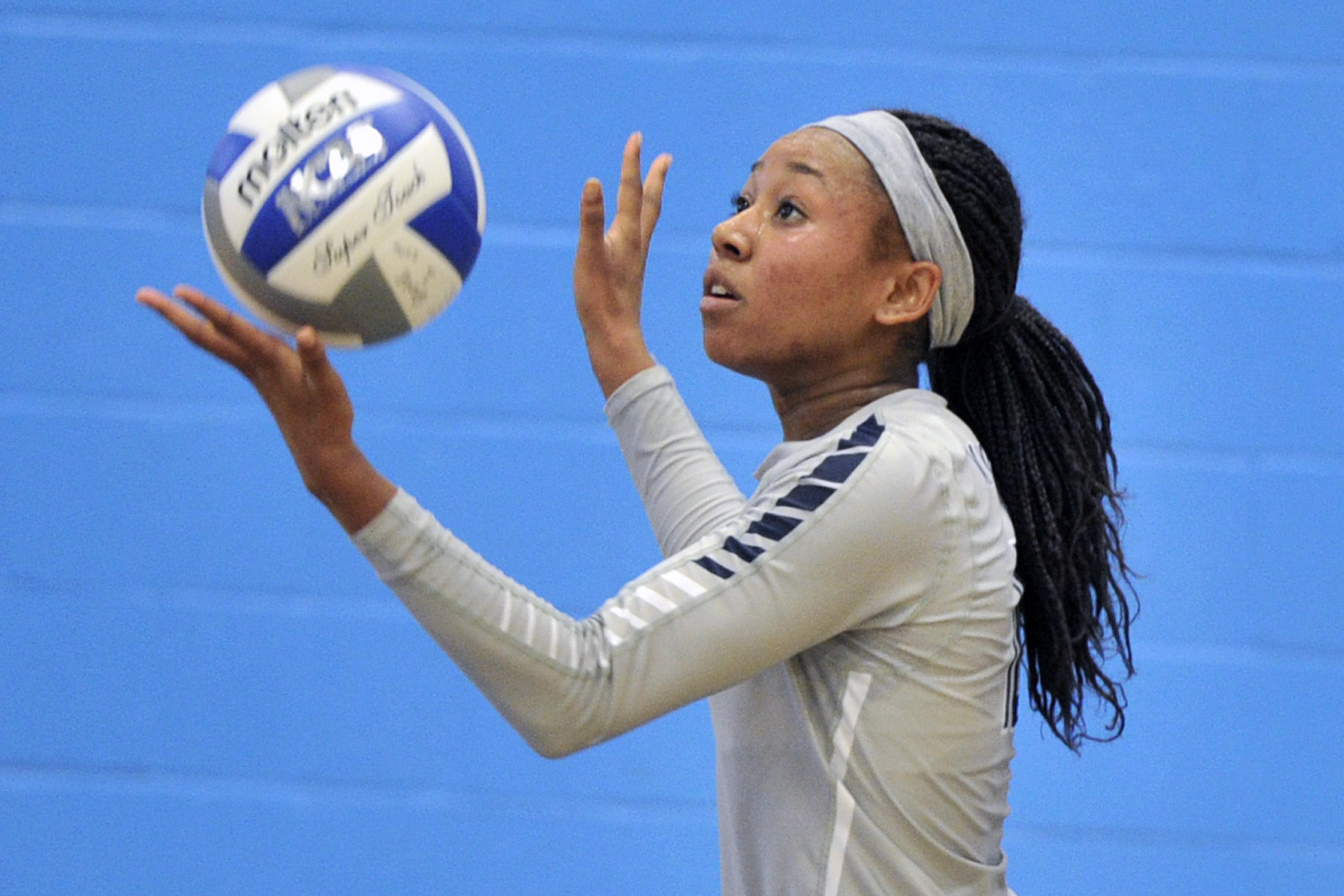 Wolverines Take Down John Jay and Washington Adventist in Tri-Match