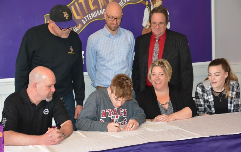 Men's Cross Country Signs Mason Smith to a National Letter of Intent