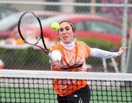 Women's Tennis sweeps Wooster, Marietta by 9-0 scores