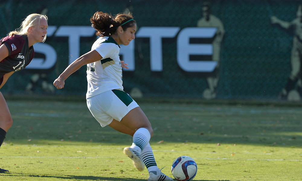 LUM'S TWO GOALS LEAD WOMEN'S SOCCER PAST NORTH DAKOTA, 2-1