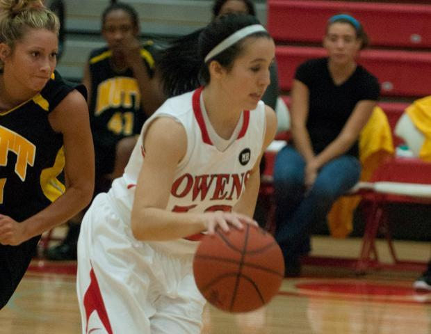 Freshman point guard Danielle Bezeau had six steals in the first half against Kirtland. Photo by Seth Foley