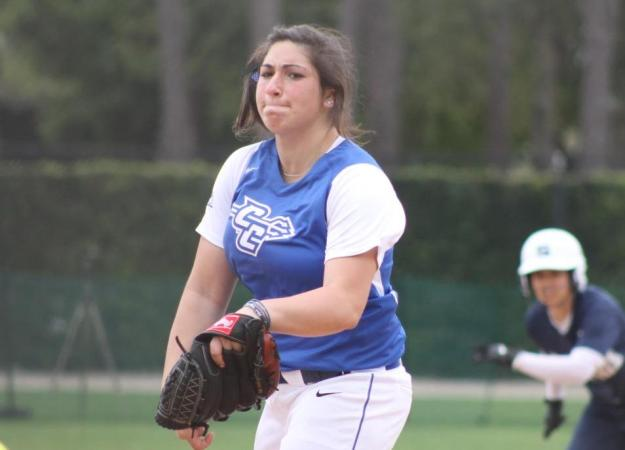 Softball Sweeps Day One at Norfolk St.