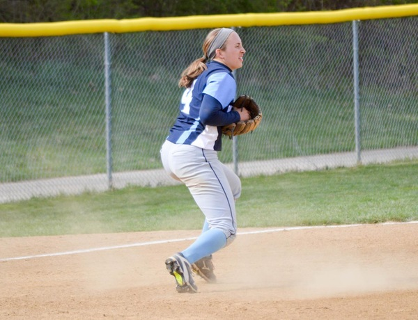 Westminster Softball Splits Against Wisconsin-Stout