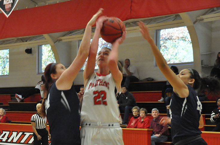 Women's Basketball: Berry holds off Panthers for 63-60 win