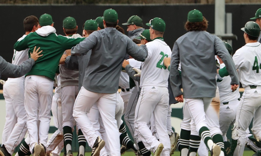 BASEBALL WALKS OFF ON UTRGV, 5-4, IN 10 INNINGS FOR 10TH STRAIGHT WIN