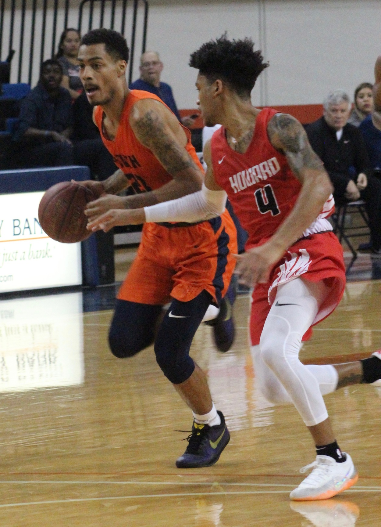 No. 1 Texans clip Howard 68-62 Monday at the Texan Dome