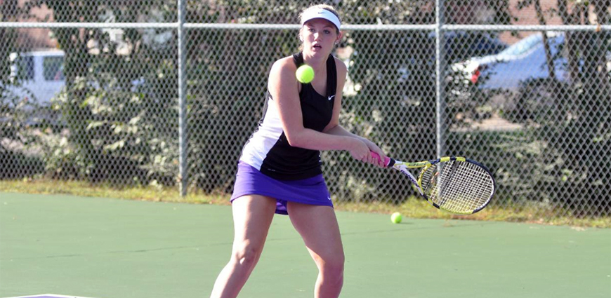Women's Tennis Team Drops Match Against Austin College