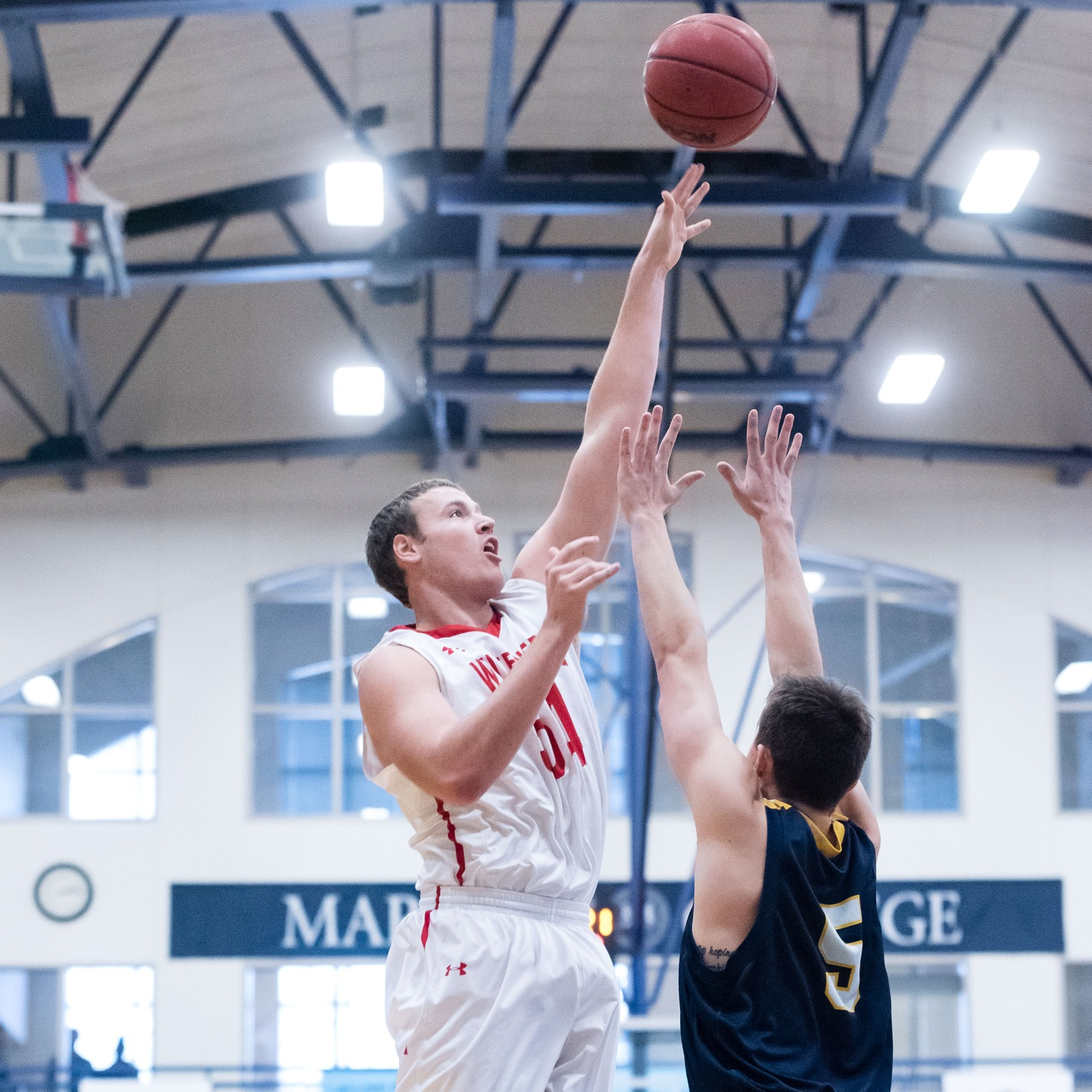 Men's Hoops Too Much for Oberlin in NCAC Opener