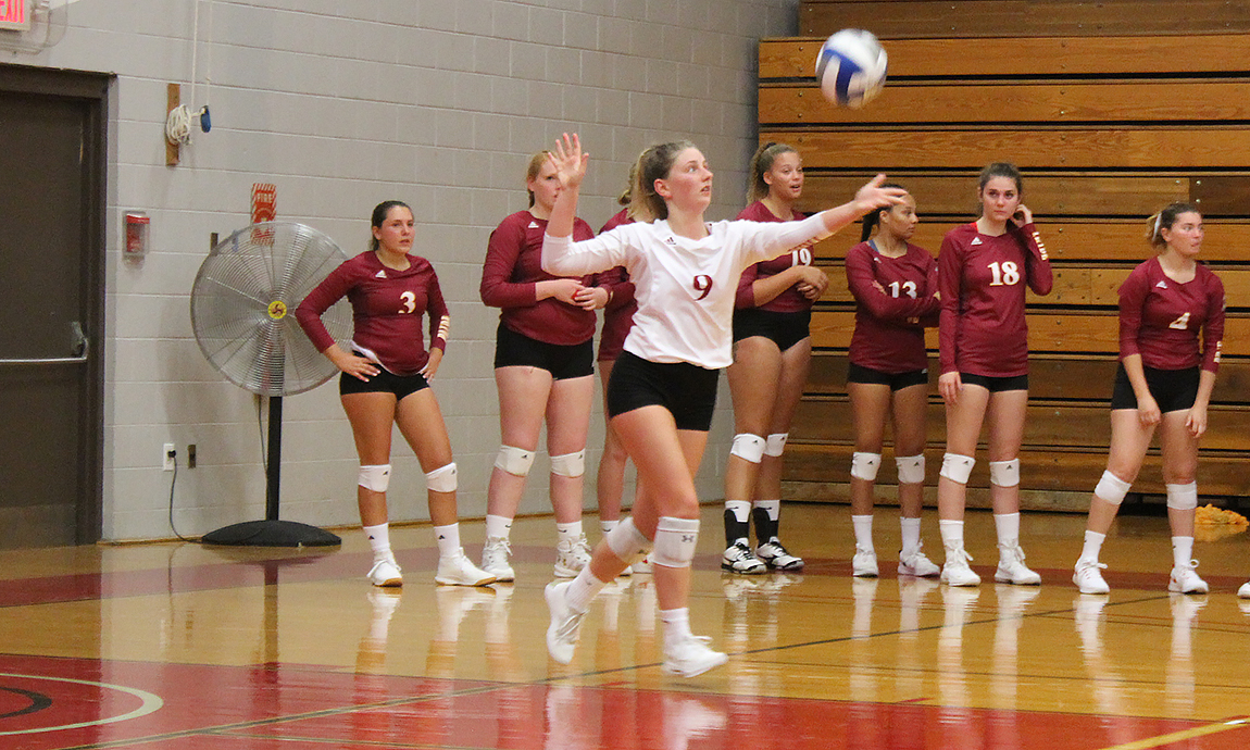 Women's Volleyball Loses Two at Smith College