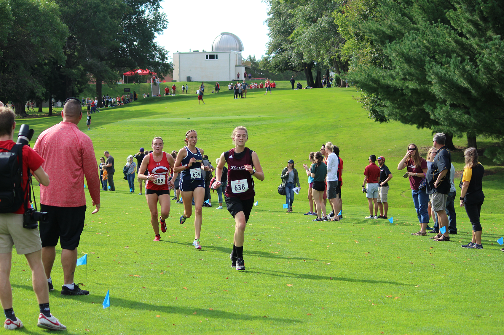 Katlyn Holaday finished in 18th place out of nearly 100 runners on Friday