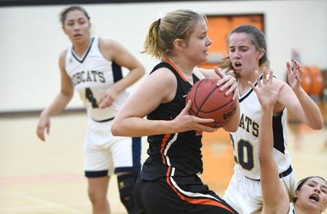 Lewis Outburst Against Pomona-Pitzer Almost Enough for First SCIAC Win