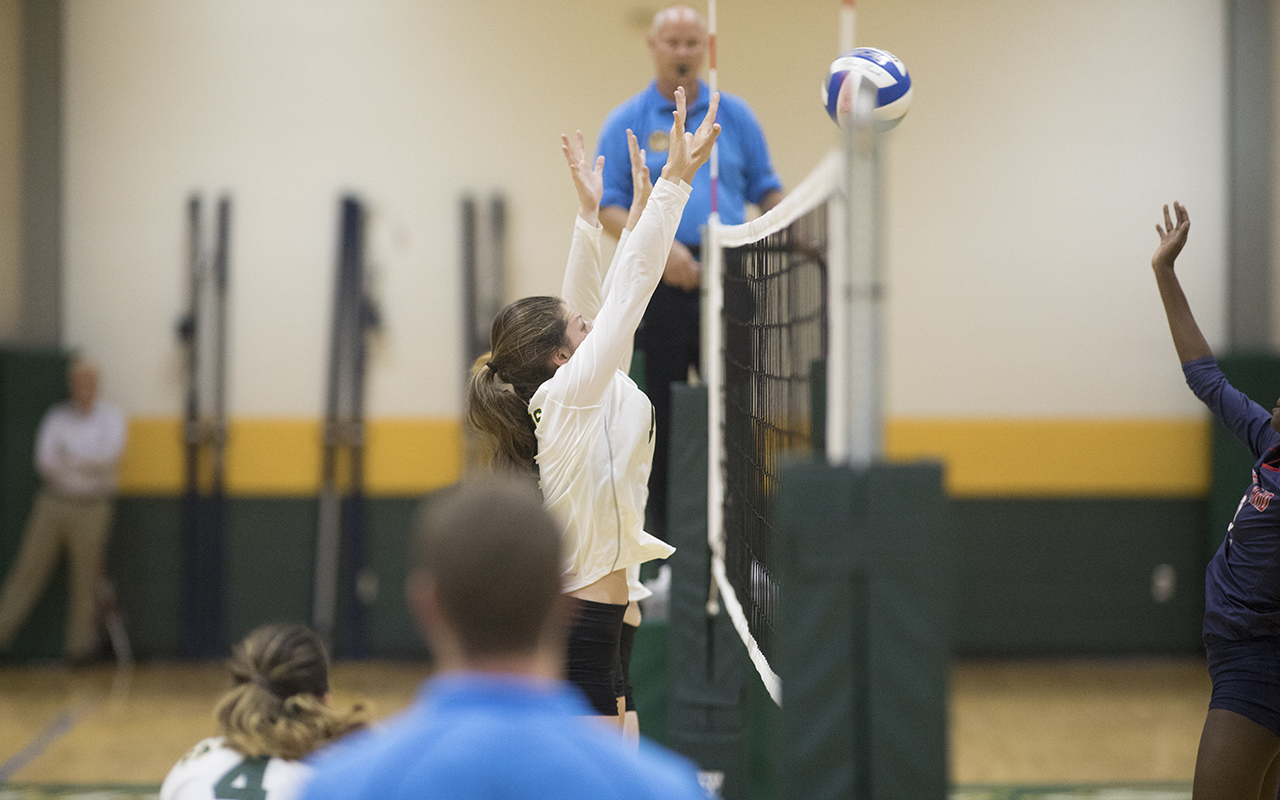 Fitchburg State Drops Non-Conference Match To New England College