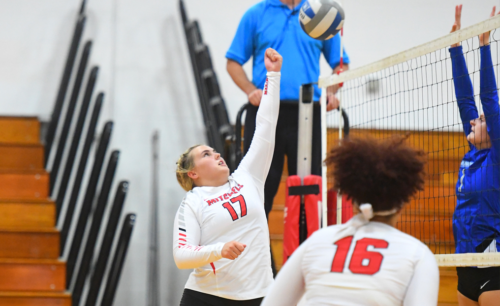 Volleyball Falls to Elms on Final Day of Regular Season