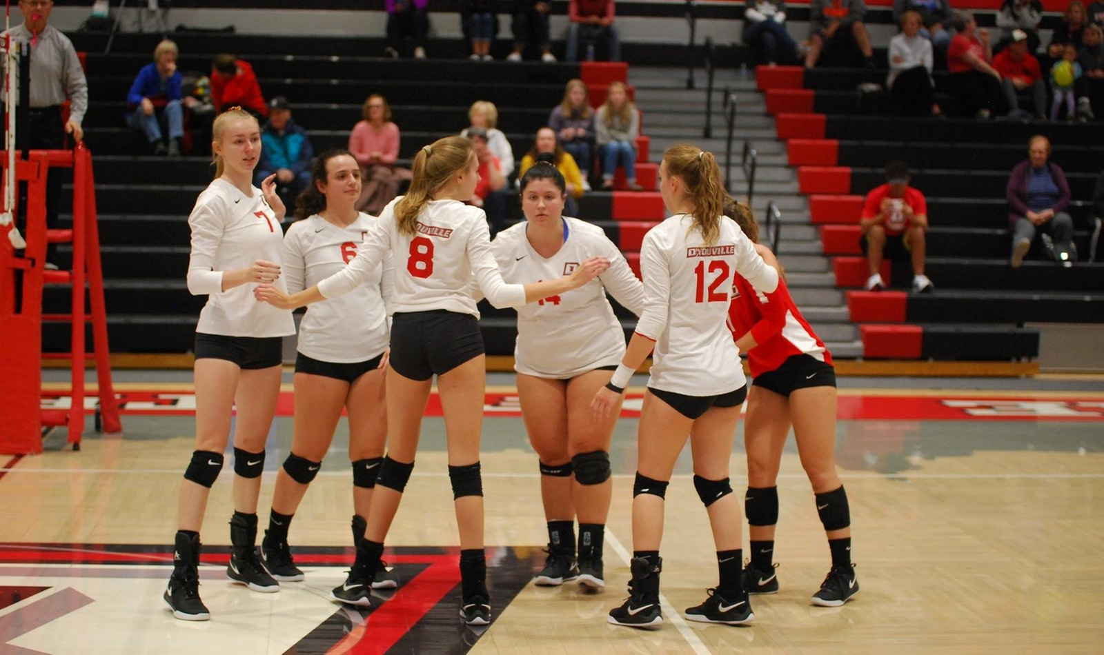 Spartan Volleyball Wins Opens Conference Schedule with Win over Hawks