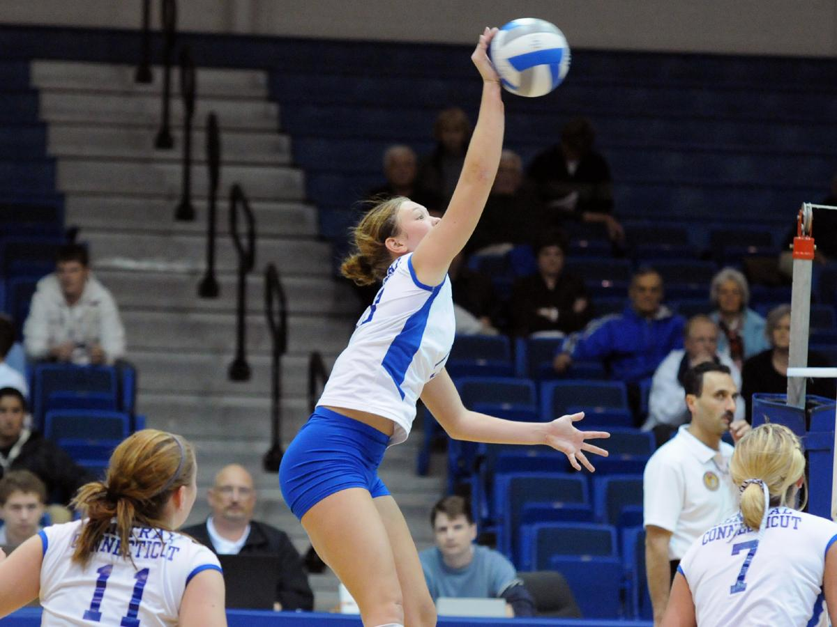 Olmstead, Snyder Combine for 36 Kills in 3-1 Victory at St. Francis (PA)