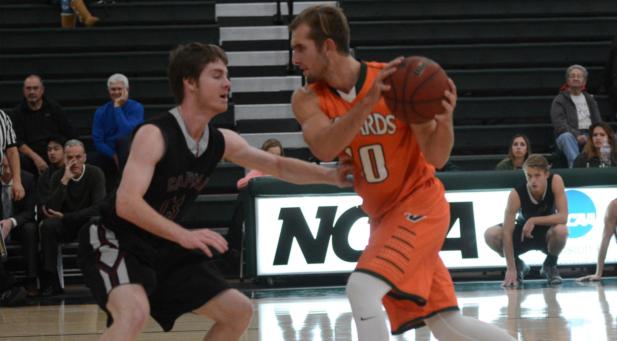 Men's Basketball edged at Redlands, 76-72