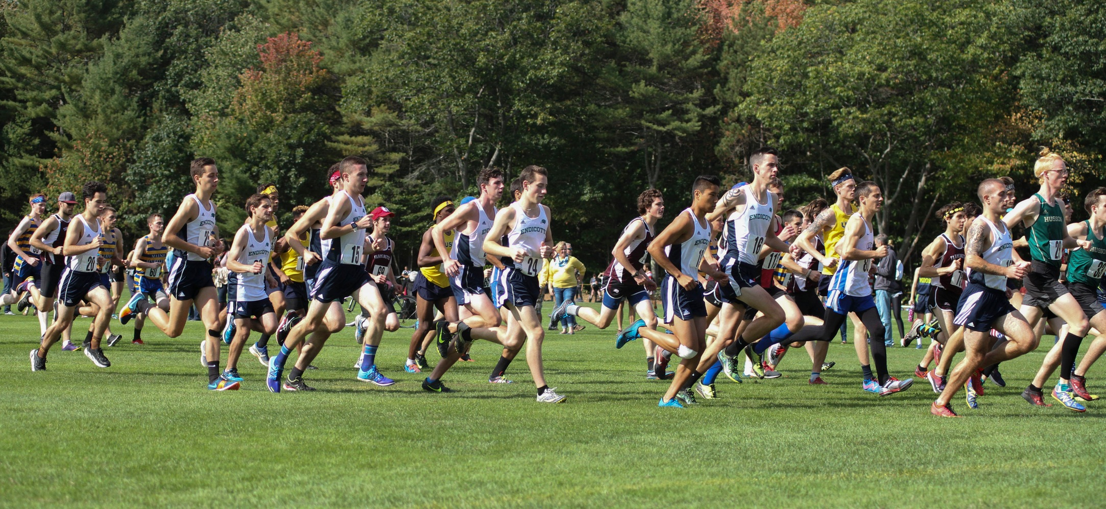 Endicott men's cross country at the start of the Bowdoin Invitational.