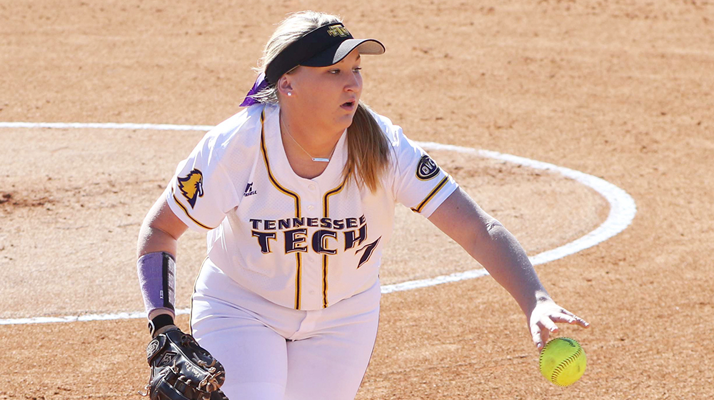 Golden Eagle softball closes out tournament play at Memphis Tiger Classic