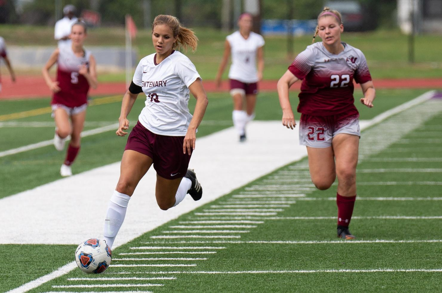 Junior Kyra Montes named the NCAA Division III Women's Player of the Week by the United Soccer Coaches (Photo courtesy of Curt Youngblood).