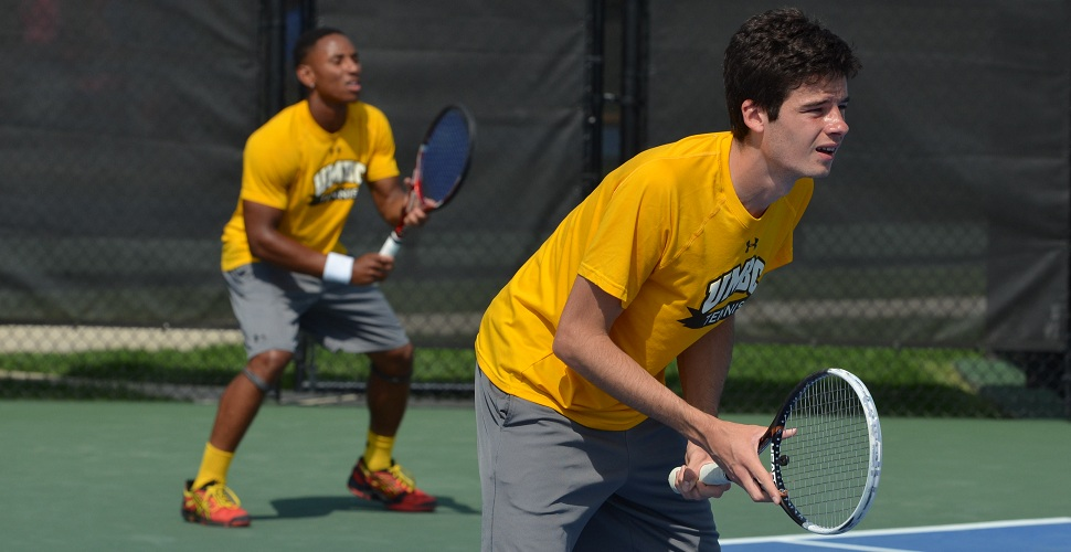 Men's Tennis Rolls in Singles Play to Defeat Bryant, 4-1