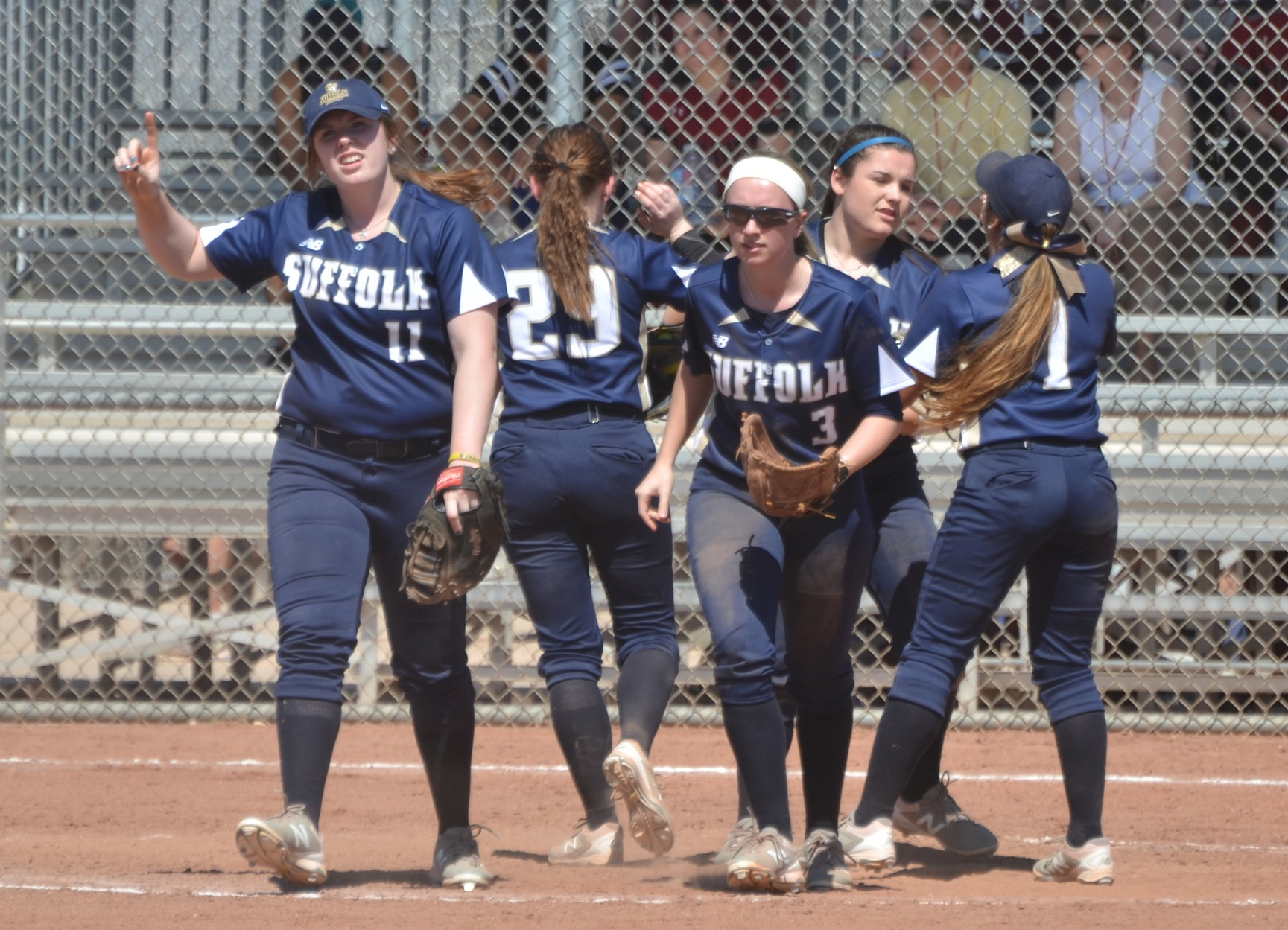 Softball Outlasts Dickinson, 2-1, in Extras