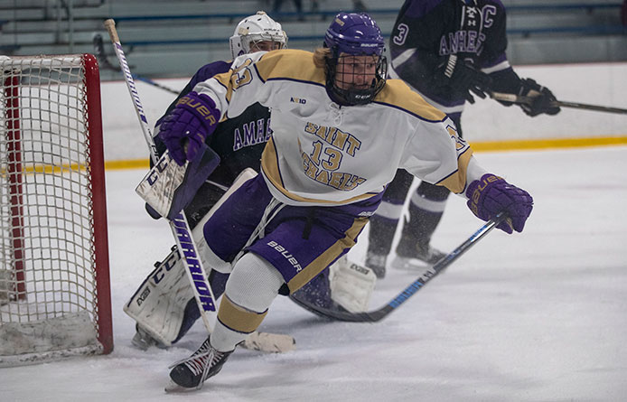 Men's Ice Hockey Falls to Post, 4-2, During Non-Conference Road Contest