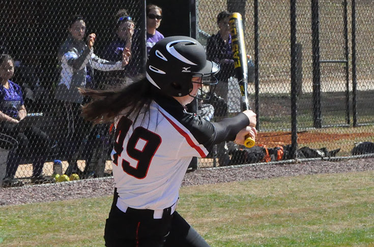 Softball: Panthers walk off with sweep of Agnes Scott 8-7, 5-4