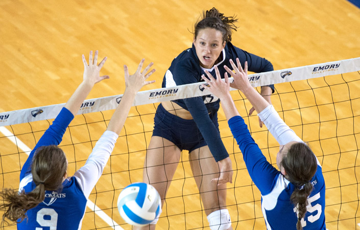 Emory Volleyball Cruises Past Worcester State in First Round of NCAA Tournament