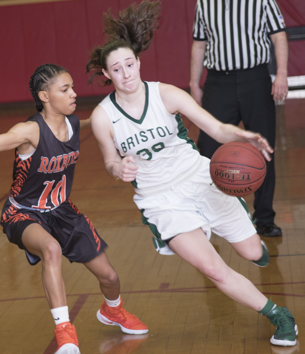 Women's Basketball Earns Road Win at Quinsigamond