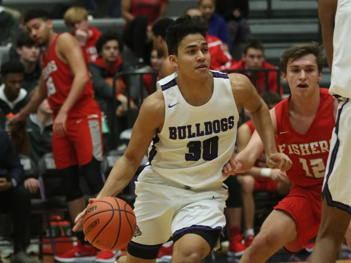 Boys Hoops Picks up HCC Win over Fishers