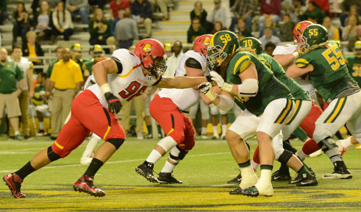 #3 Ferris State Stays Unbeaten With Hard-Fought Road Victory
