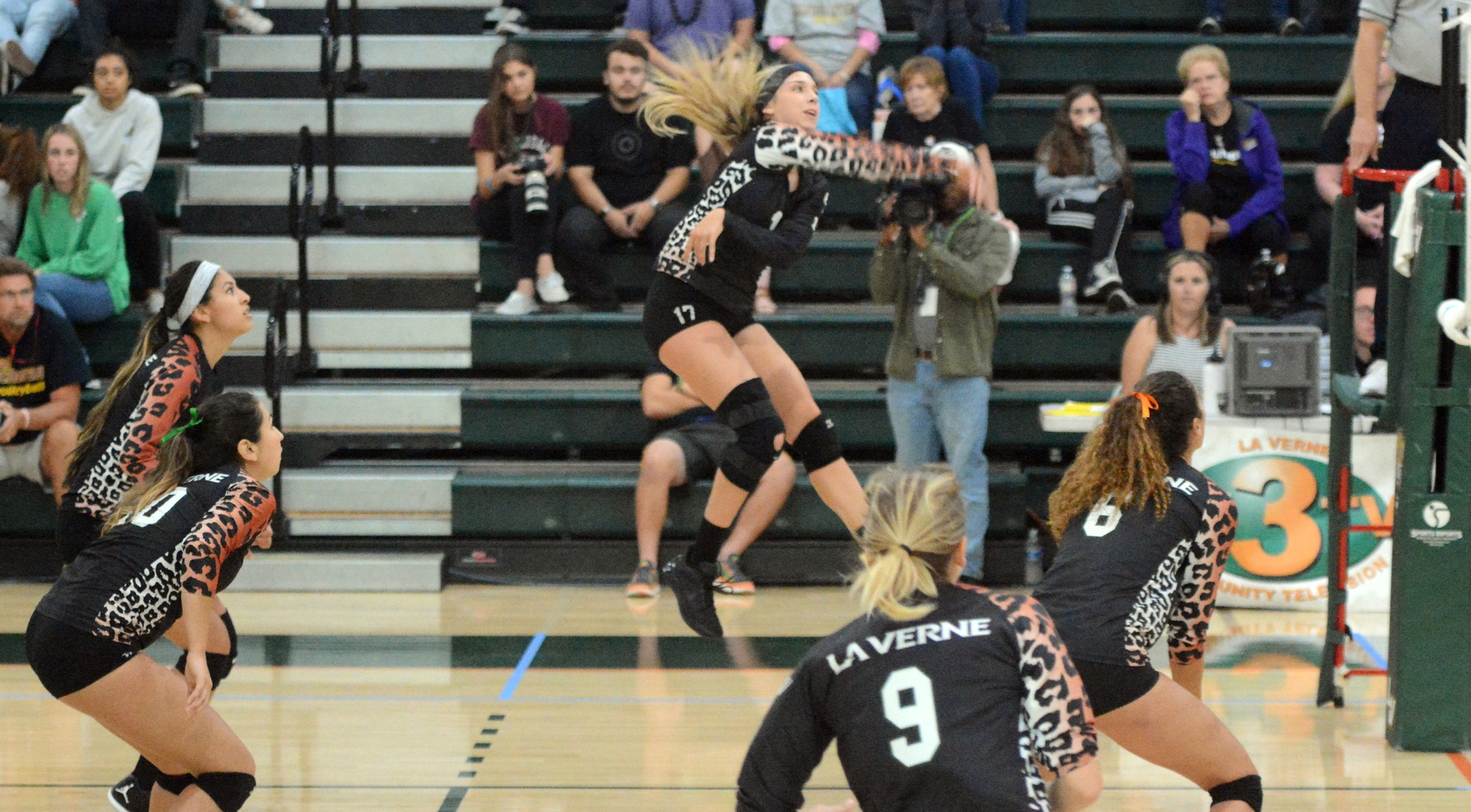 No. 15 Leopards beat Redlands on the road
