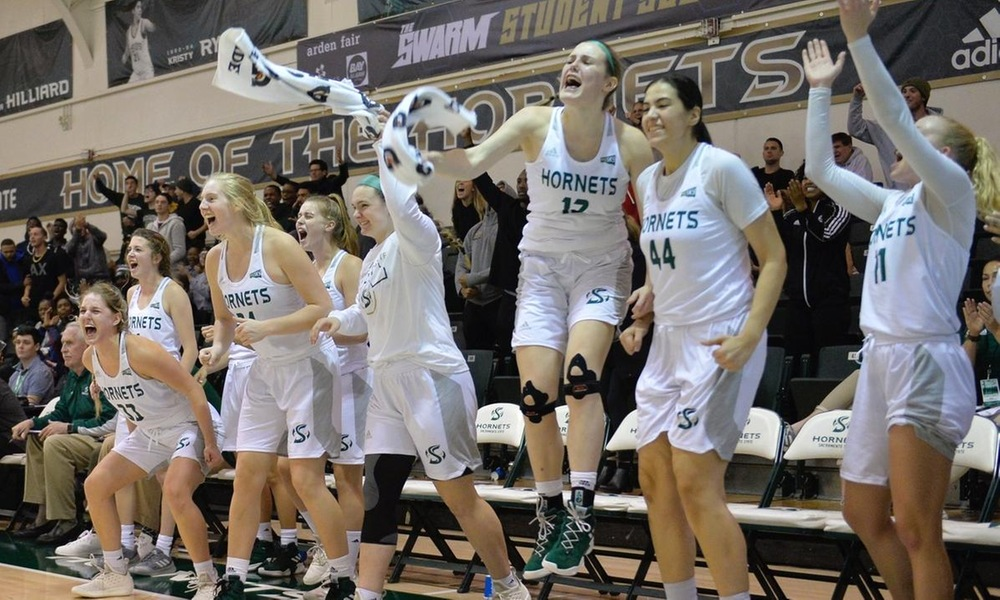 CAUSEWAY CLASH ON FRIDAY IN THE NEST AS WOMEN'S HOOPS HOSTS UC DAVIS