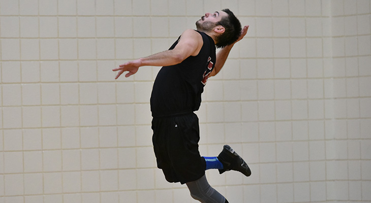 Five-Set Win For Men's Volleyball In NEAC Opener