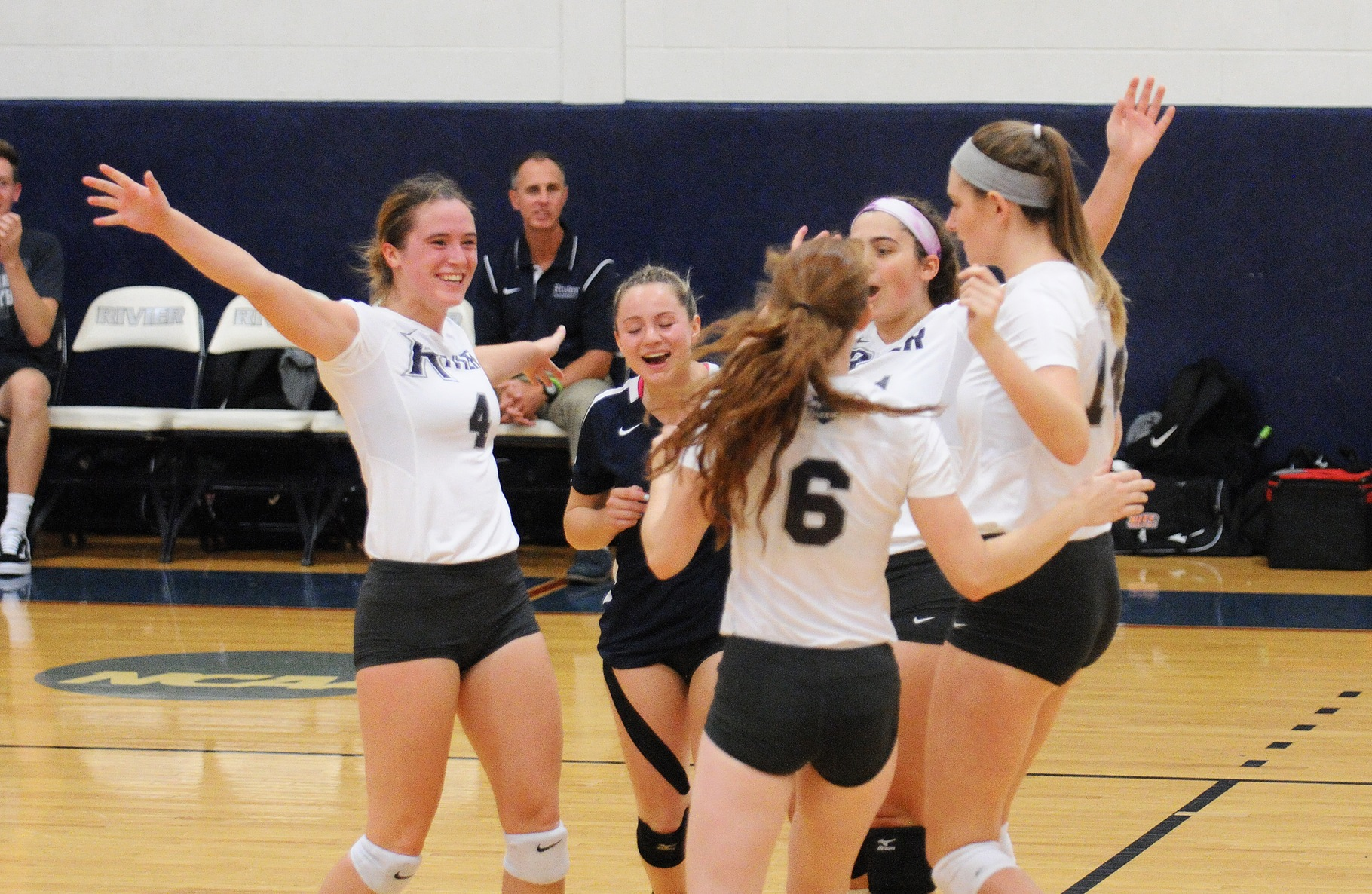 Women's Volleyball: Raiders roll past Salem State, 3-0