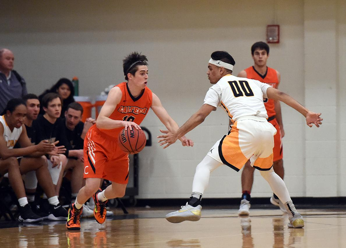 Andrews Sets Pace, Beavers Hang with Second-Place Oxy