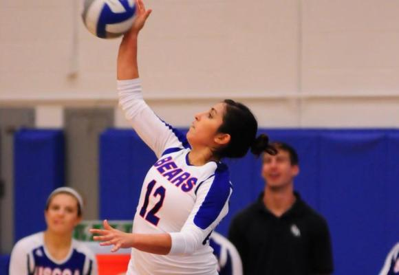 Volleyball Splits; Give Ilkson First Career Win