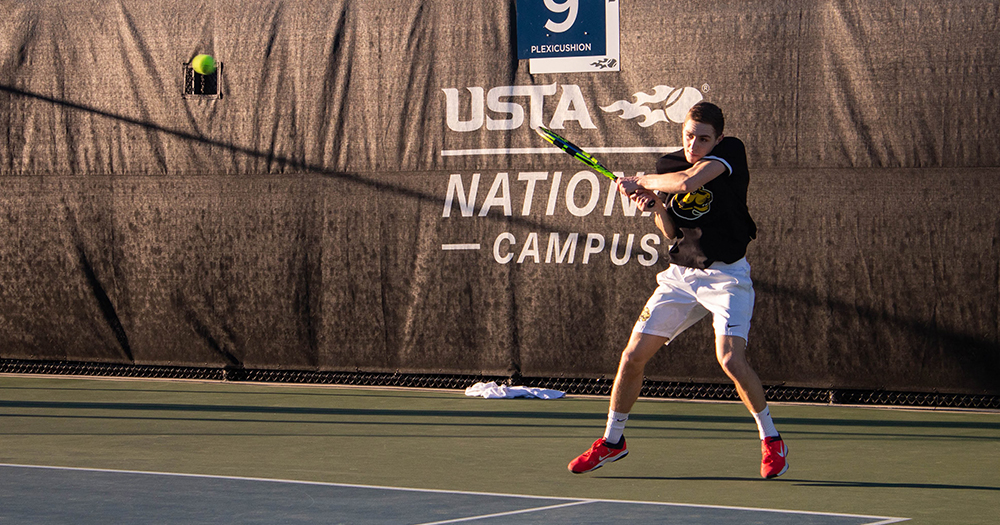 Men's Tennis Overtakes Bears to Win Third Straight Match
