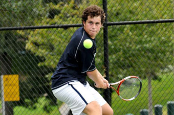 Men's tennis falls to Rollins, #10 in DII, 8-1