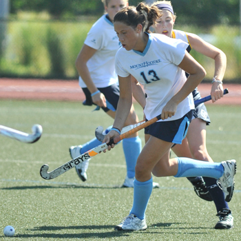 Field Hockey Bounces Back With Dominant Effort at Nichols