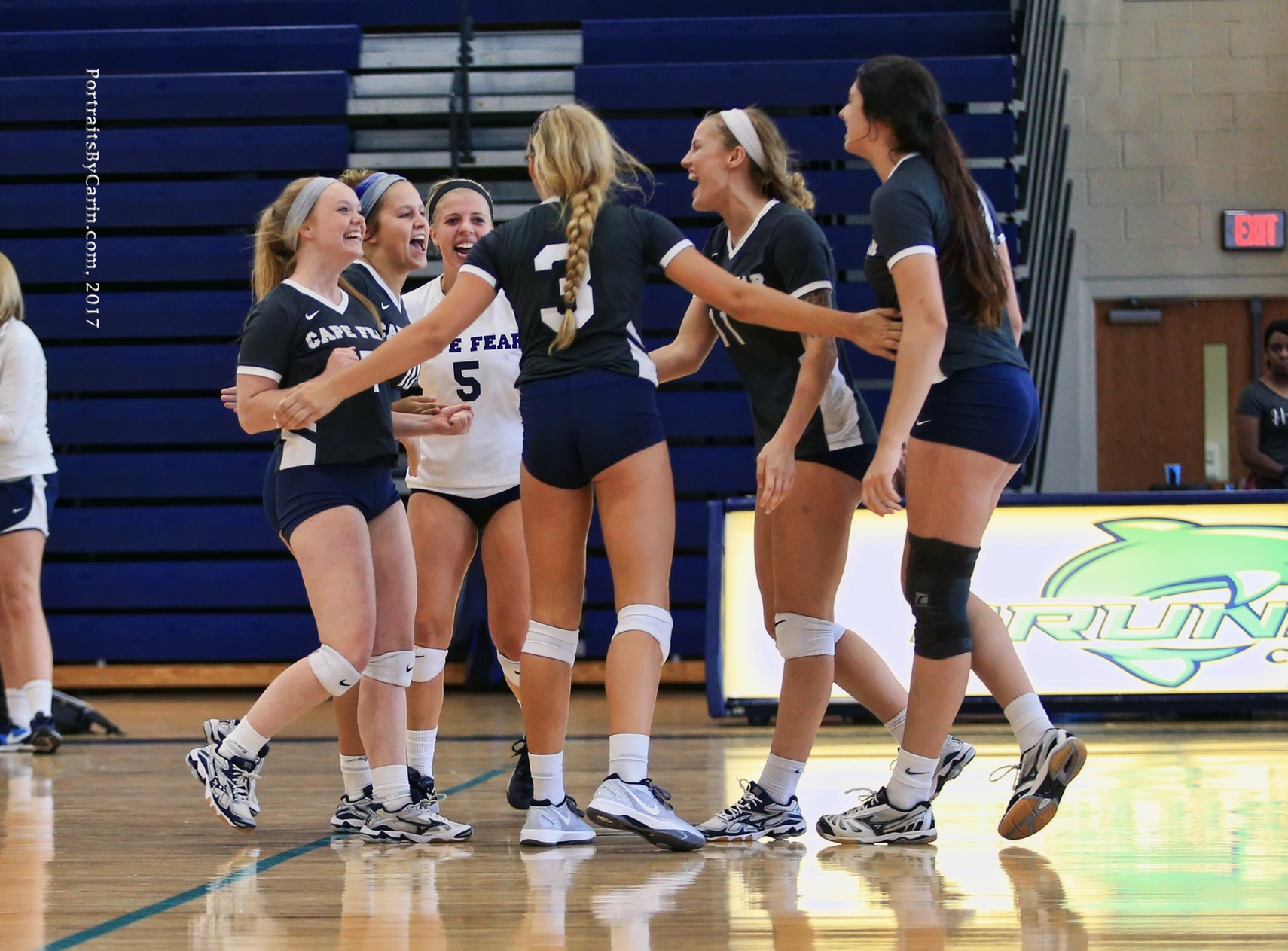 Volleyball Ends Season with 19-6 Record